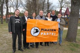 CC-BY 2012 Holger Kipp; von links nach rechts: Thomas Kubasch, Kay Drews, Doreen Thomczyk, Ronald Matz, Petra Schwarz, Eberhard Ramfeld, Oliver Mücke